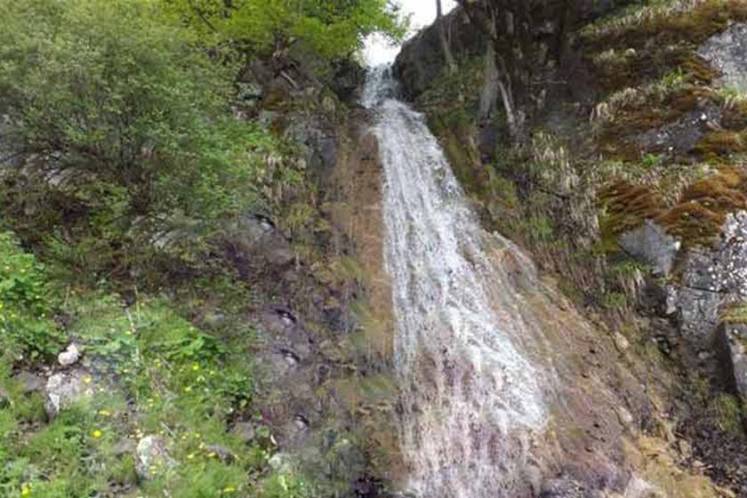 آبشار لاکوه
